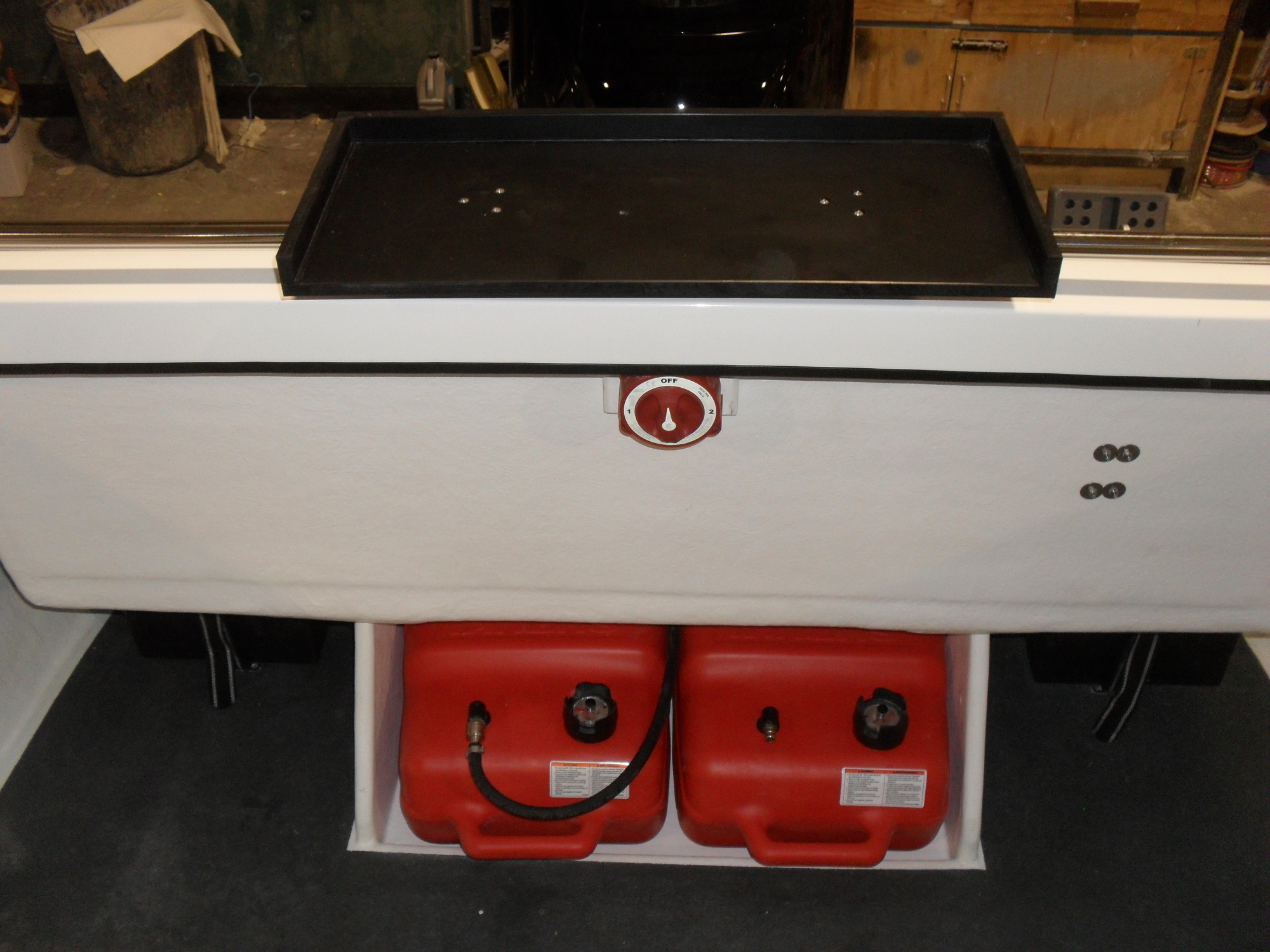 Raider 18 Fuel Tanks and Bait Board