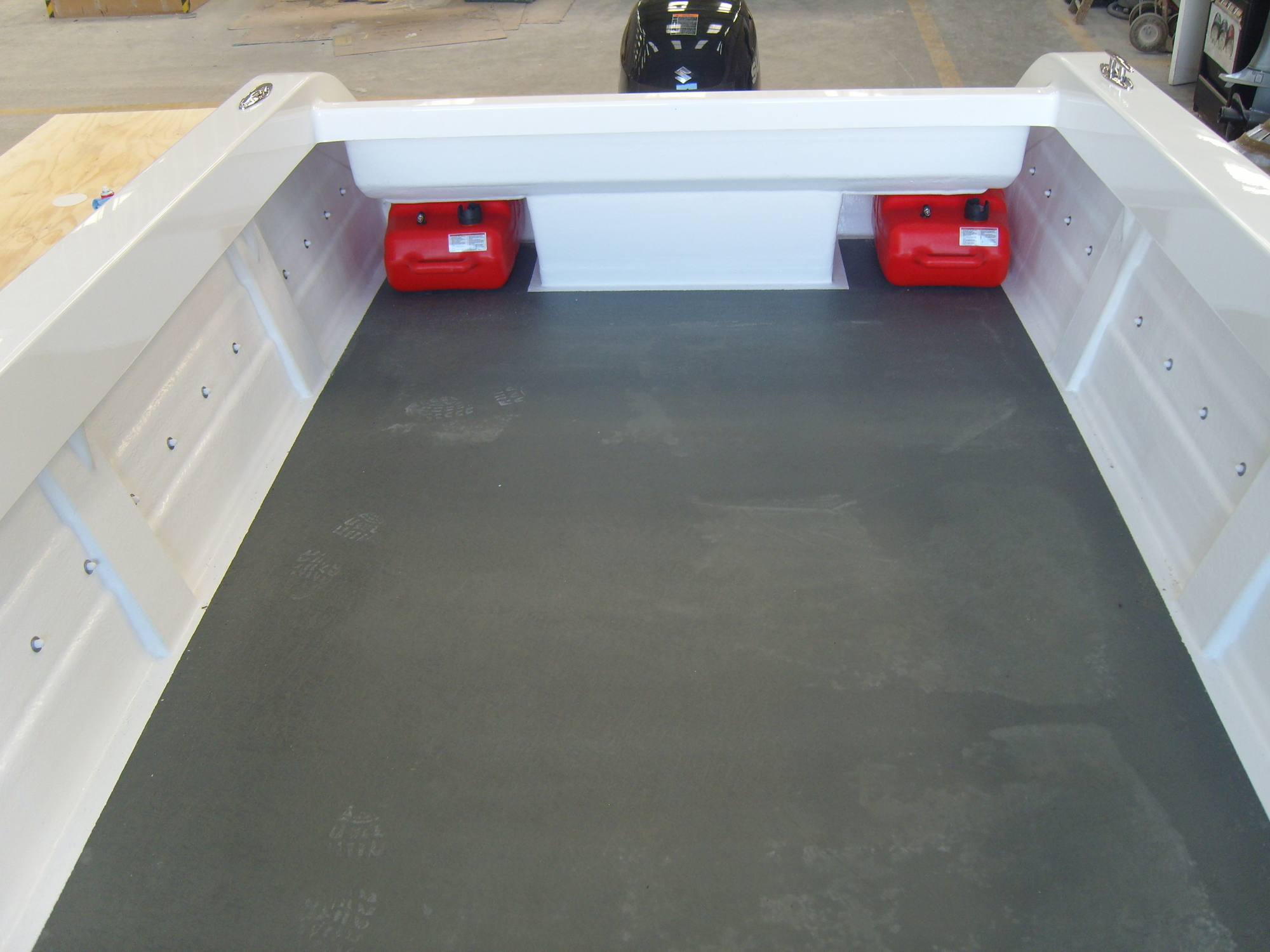 Warrior 6M Open Boat Deck and Fuel Tanks