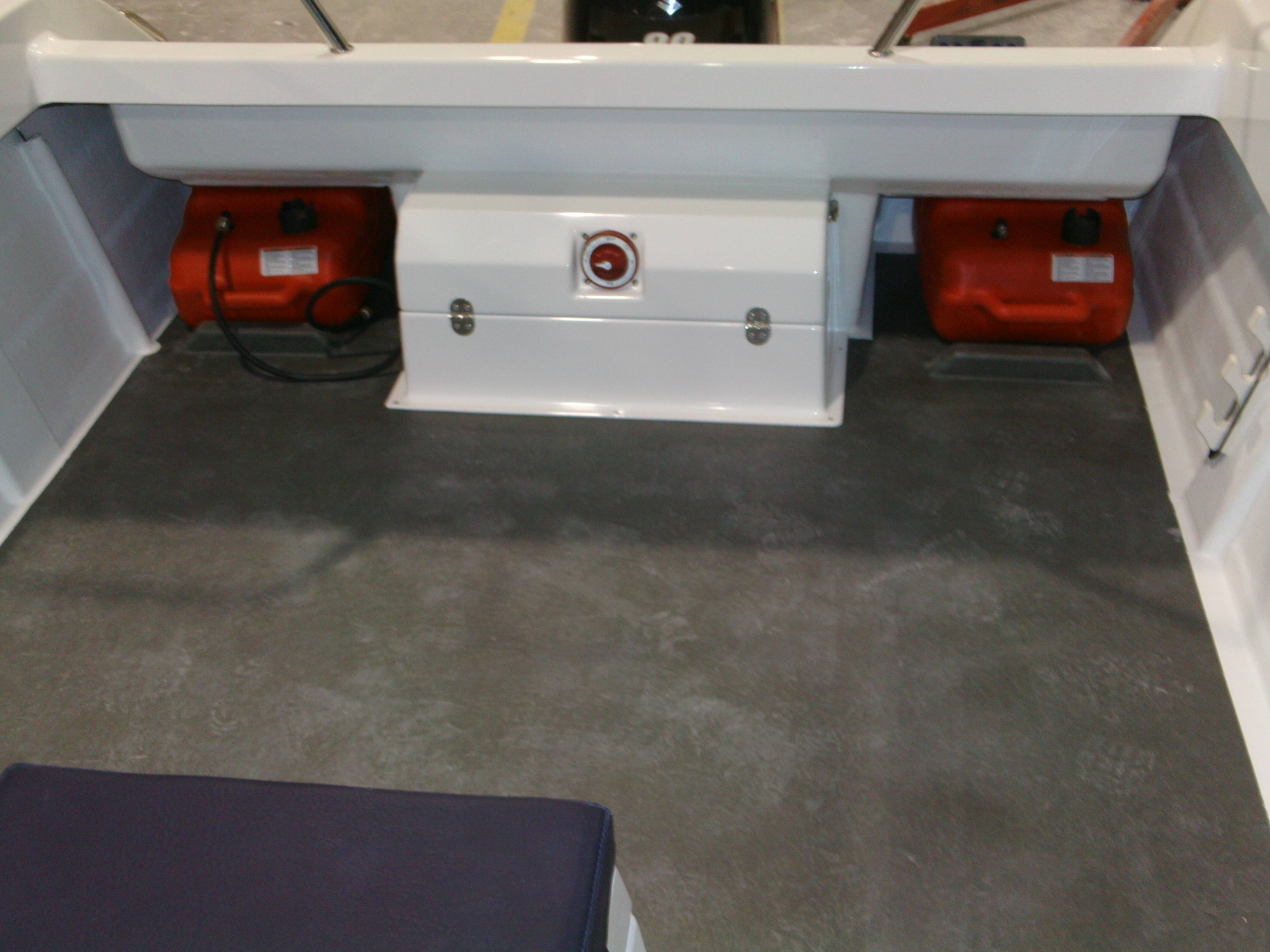 Warrior 6M Battery Box and Fuel Tanks