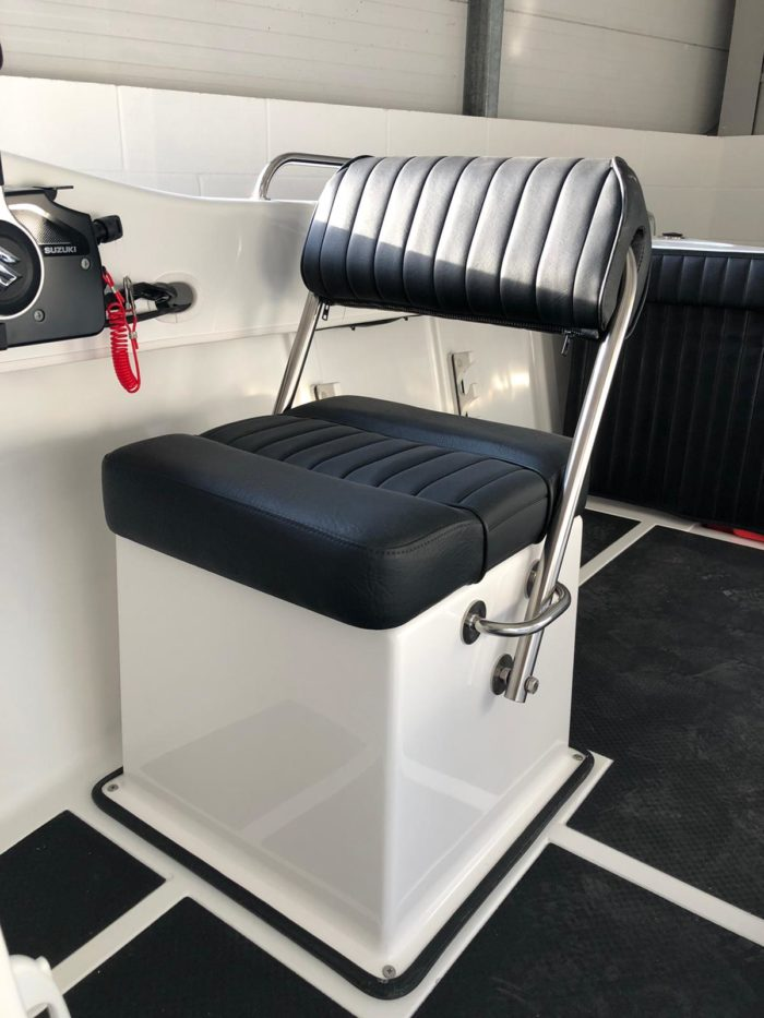lip Helm Seat with Storage Box